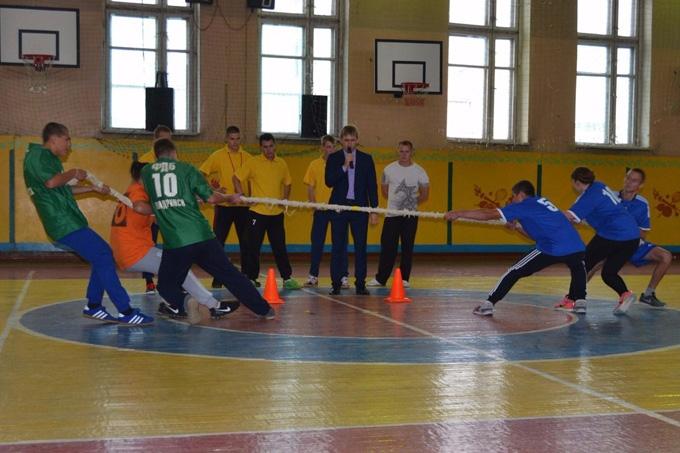 Шадринские студенты поддержали акцию «Два часа с чемпионом»