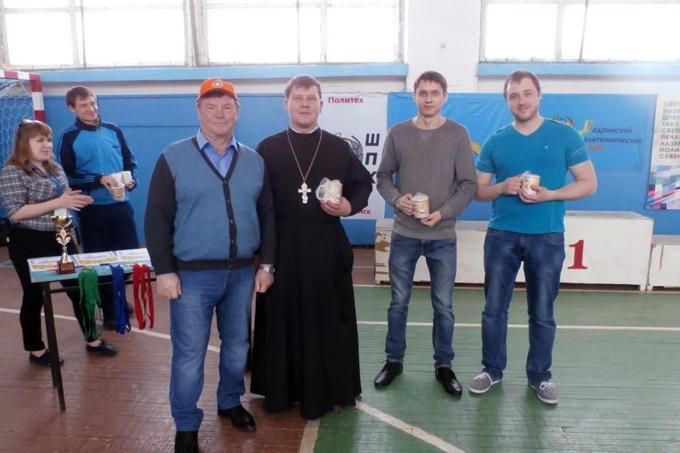 Команда Шадринской епархии приняла участие в соревнованиях по городошному спорту