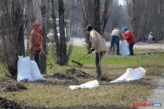 Субботники в Шадринске начались раньше назначенного срока