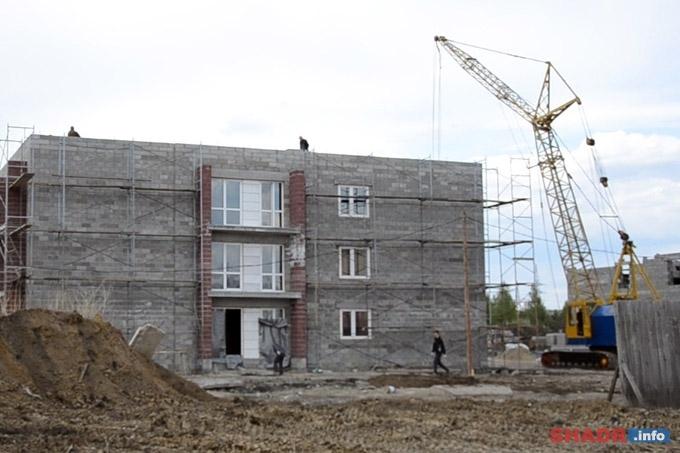 Переселение из ветхого жилья в Шадринске на контроле у главного федерального инспектора по Курганской области