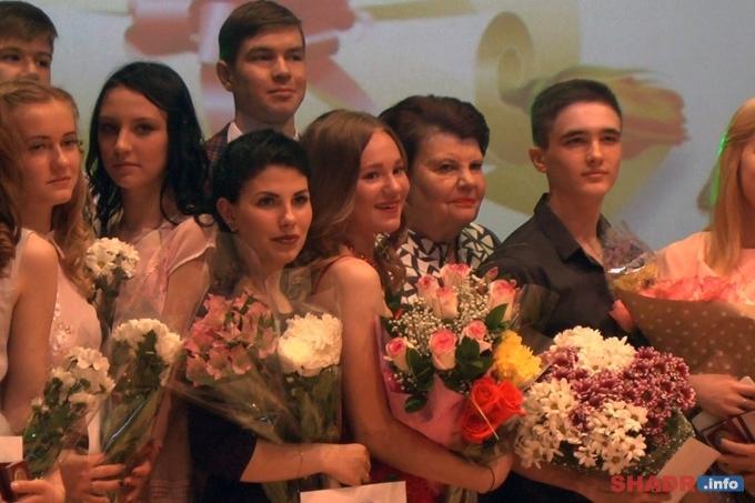 Из шадринских школ в этом году выпускаются 56 золотых медалистов