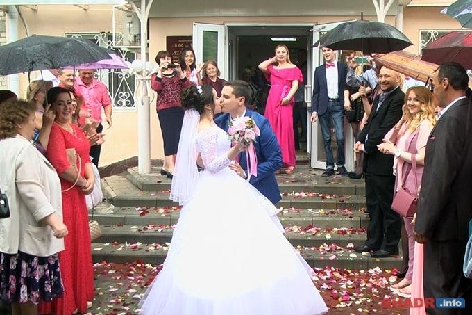 В Шадринске 13 пар решили заключить брак 7.07.2017 года
