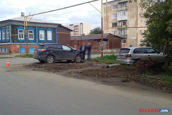 В результате ДТП в Шадринске пострадал пассажир