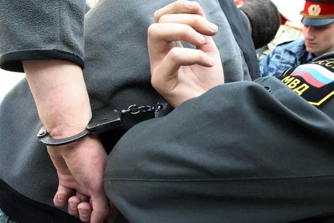 По горячим следам задержан молодой человек, совершивший кражу и разбой