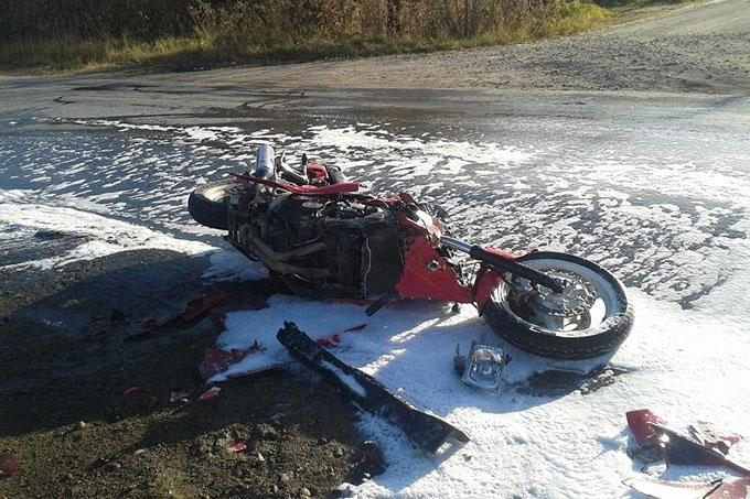 В Шадринске автоледи на Субару сбила мотоциклиста