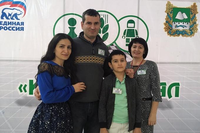 Шадринцы в пятый раз завоевали звание самой шахматной семейной команды