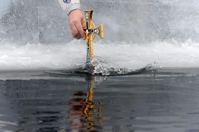 Роспотребнадзор взял пробы воды в местах крещенских купаний