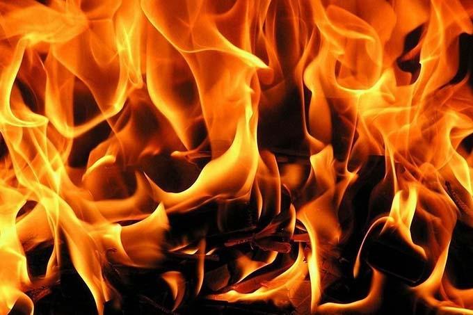В Каргапольском районе пожар унес жизни двух мужчин