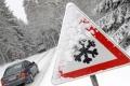 Неблагоприятные погодные условия: водителей просят быть внимательнее