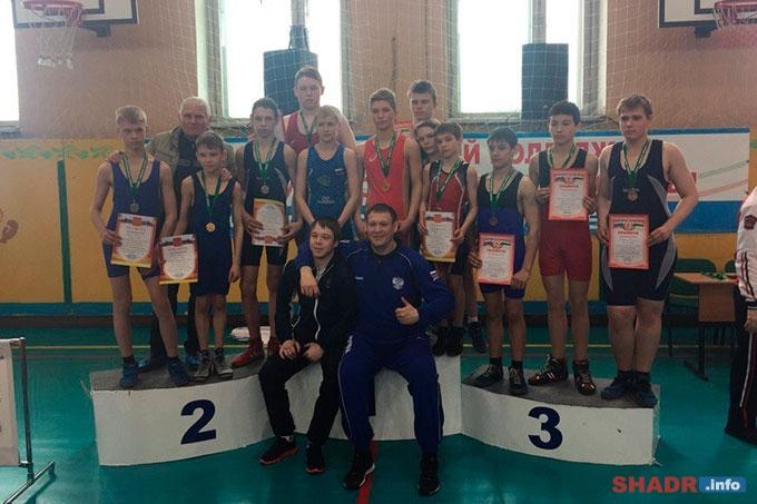 Шадринск принял областное первенство по спортивной борьбе среди юношей