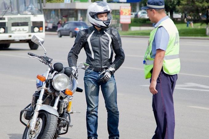 Полицейские проверят законность управления мототехникой