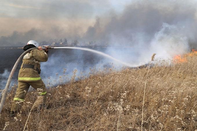 Зауральские пожарные защитили от огня более 500 жилых домов