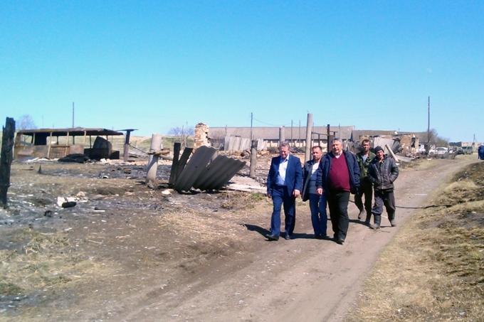 Руководители органов власти выехали в пострадавшие от пожаров районы