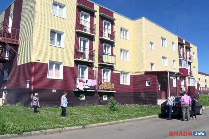 Жители дома по ул. Автомобилистов пытаются доказать непригодность здания для жилья