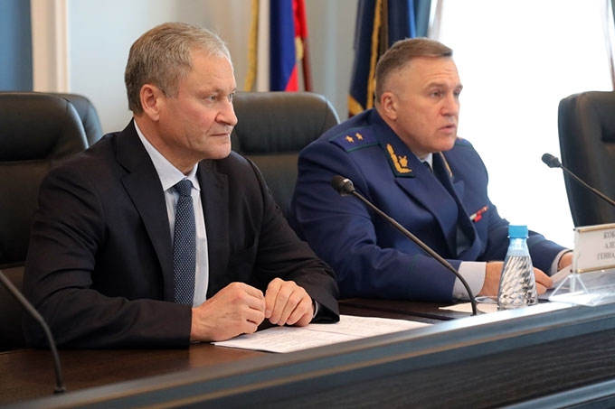 Алексей Кокорин: «Нужно жёстче контролировать сроки выплаты зарплаты на предприятиях»
