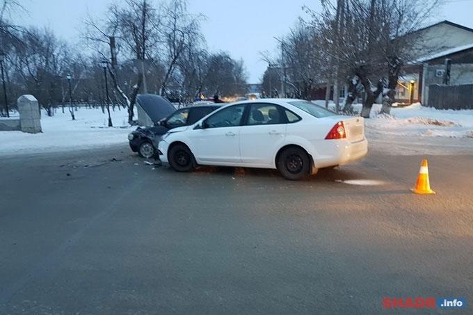 Очередное ДТП на перекрёстке улиц Ленина и Гагарина в Шадринске