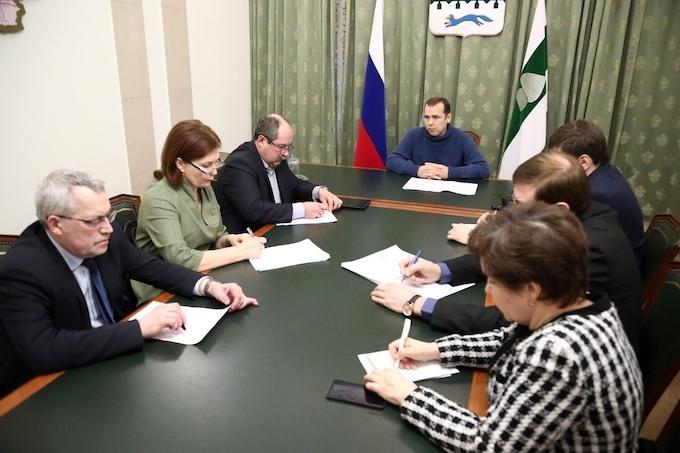 После трагедии в Юргамышском районе Вадим Шумков поручил организовать повторные подворовые обходы семей с детьми