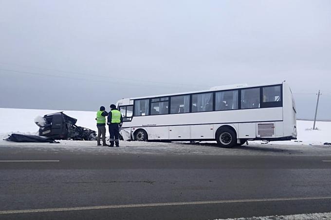 В ДТП погибли мужчина и подросток