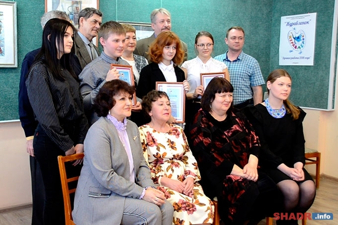 В Шадринской художественной школе наградили юных воспитанников