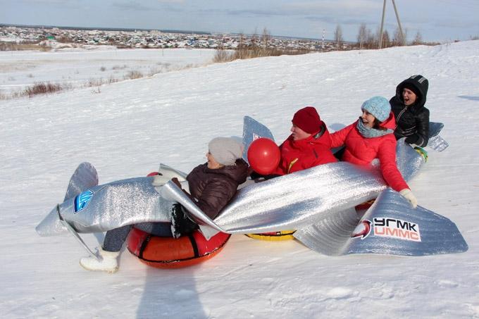 Автоагрегатовцы проводили зиму и встретили весну гонкой на уникальных санных устройствах