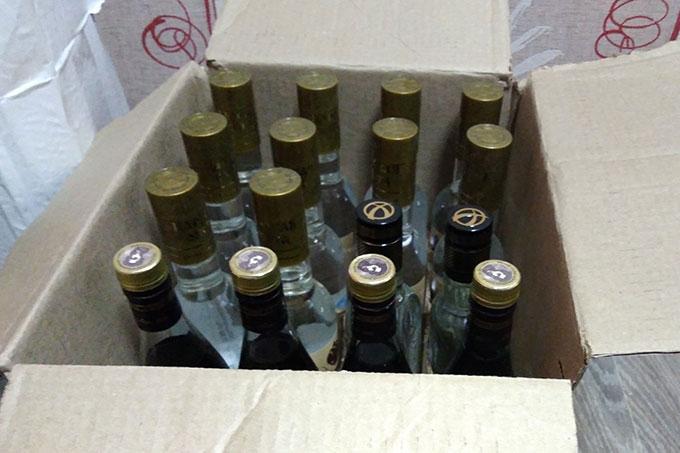 Полицейские изъяли 140 литров алкогольной продукции