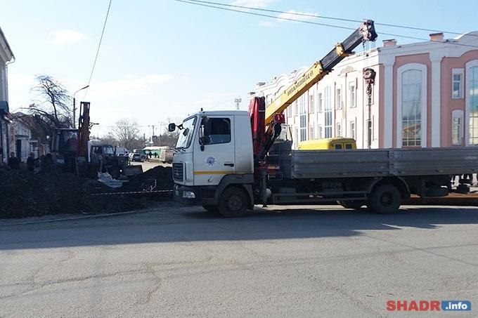 Для движения перекрыта часть улицы Октябрьской