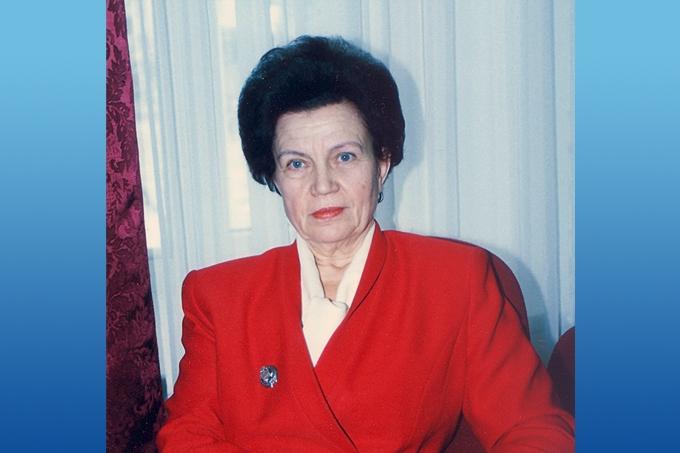 Бывший главный бухгалтер ШААЗа Валентина Горшкова 15 апреля отмечает юбилей