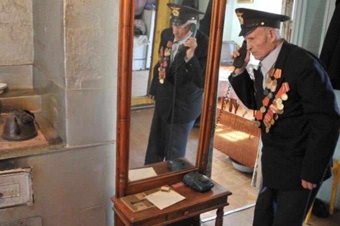 В честь Дня Победы ветеранам дарят 100 бесплатных минут