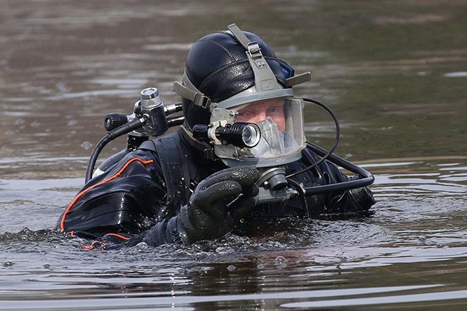 Водолазы обнаружили тело утонувшего мужчины