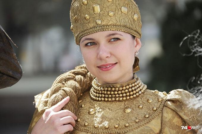 Шадринская Елена Прекрасная прогулялась по Челябинску