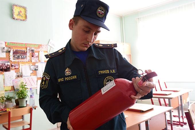 Комиссия оценивает готовность детских садов и школ Шадринска
