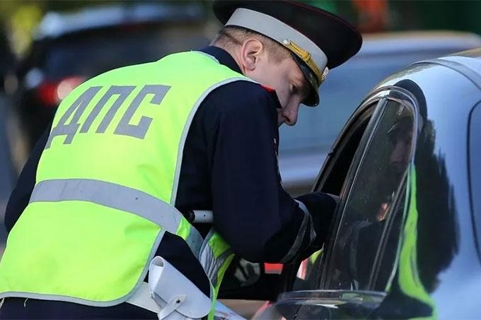 Жителей просят сообщать о водителях, управляющих транспортом в состоянии опьянения