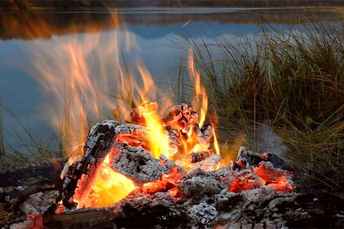 Ребенок получил ожоги при неосторожном обращении с огнем