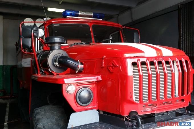 В Шадринске сгорел автомобиль ВАЗ