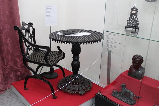Произведения искусства из чугуна: В краеведческом музее начала работать новая выставка «Уральское художественное литьё»