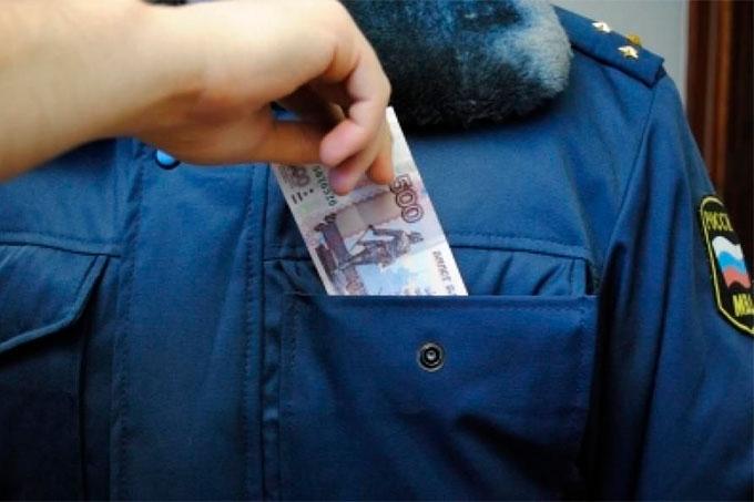 Житель Армении пытался дать взятку сотруднику ГИБДД