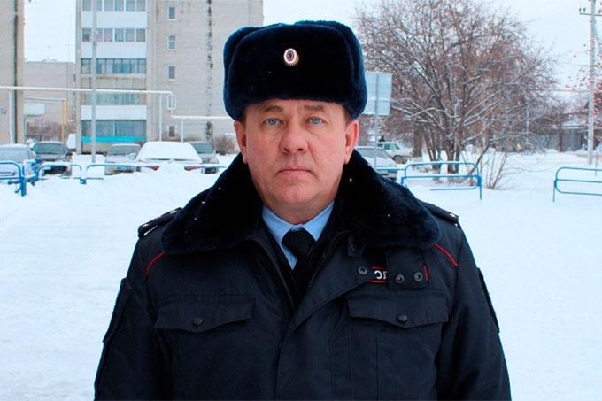 Житель Шадринска пытался украсть в Катайске конфеты и дезодорант