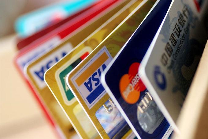 Мошенники не дремлют: Полицейские напоминают о правилах безопасности при обращении с банковскими картами