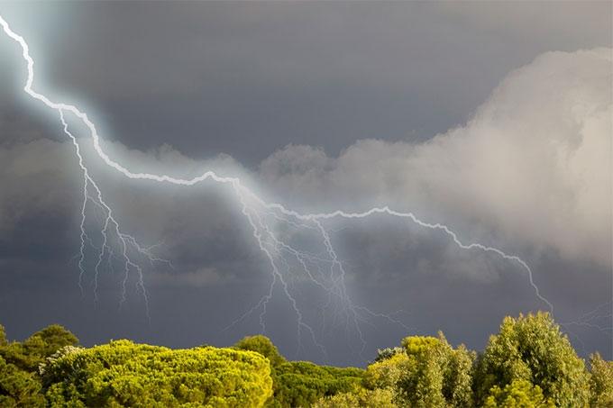 Штормовое предупреждение: В регионе ожидается сильный дождь, гроза