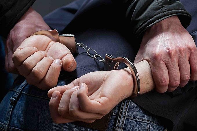 В Кургане задержан мужчина с автоматом и другим оружием