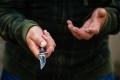 В Шадринске пьяный мужчина совершил разбойное нападение