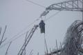 В Зауралье энергетики восстанавливают электроснабжение