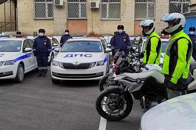 36 автомобилей и 2 мотоцикла: Подразделениям Госавтоинспекции вручили новый патрульный транспорт