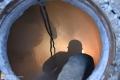 Специалисты ликвидирует порыв на водоводе на улице Ленина