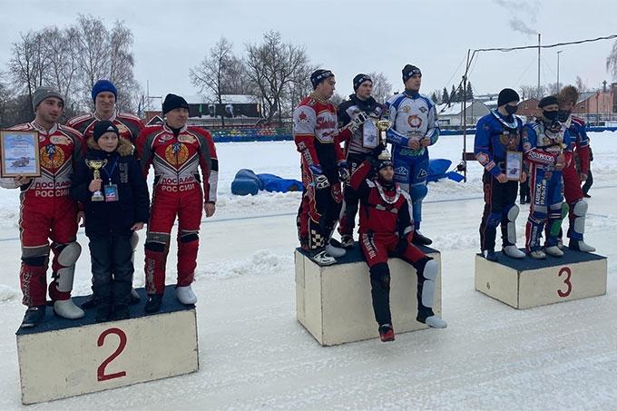 Шадринские гонщики уверенно выиграли первый этап в Высшей лиге