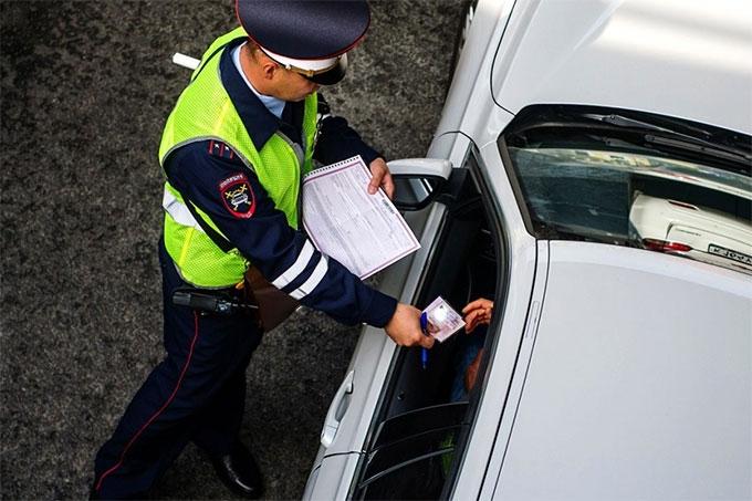 Сотрудники ГИБДД начали осуществлять сплошные проверки водителей на наличие неоплаченных штрафов