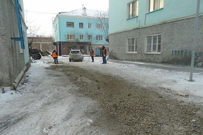 Жителей просят информировать о проседании грунта в районе теплотрасс