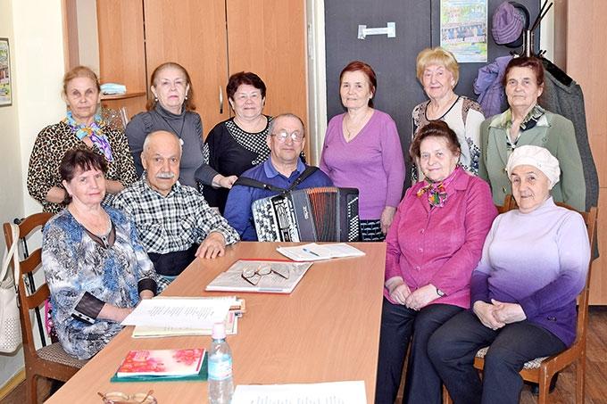 Заводской клуб «Ветеран» готовится к фестивалю художественного творчества