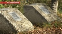 Уборка мемориала металлургам, павшим во время ВОВ