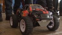 Гонки радиоуправляемых моделей автомобилей